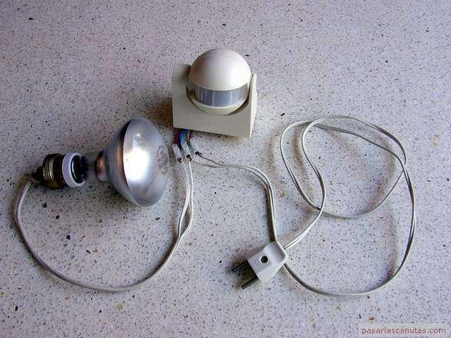 Bricolaje de electricidad instalar un dispositivo de control de luz por c lula infrarroja con - Sensores de movimiento para iluminacion ...