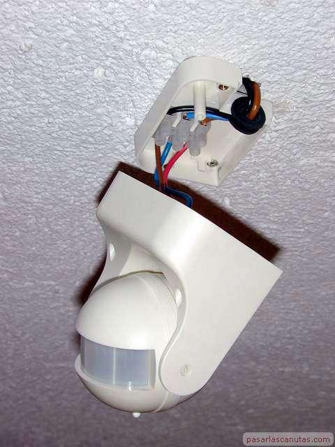 Bricolaje de electricidad instalar un control autom tico - Sensor de movimiento luz ...