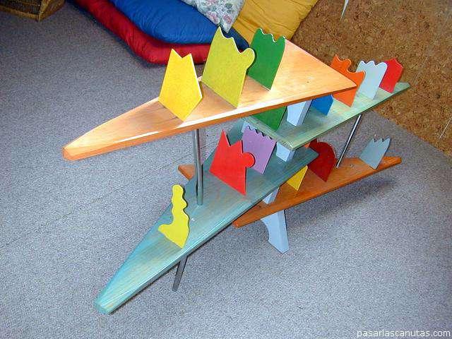 mesita con pecera : foto de mesita-estantera de carpintera imaginativa para equipo de ...