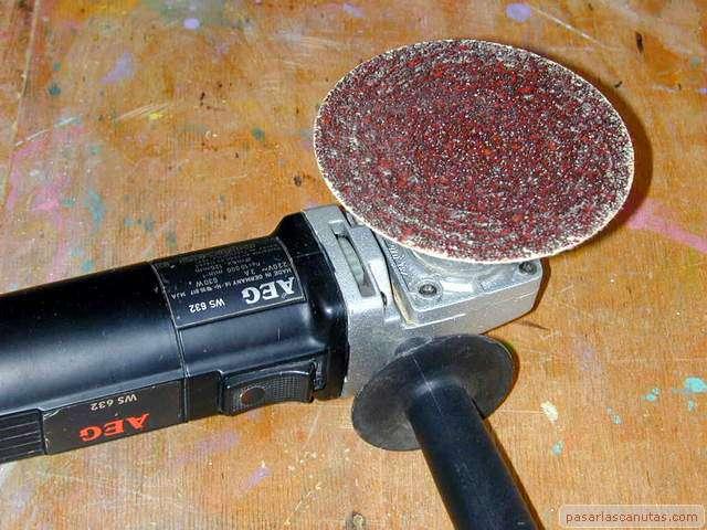 La amoladora manual de uso fotografico for Cortar madera con radial